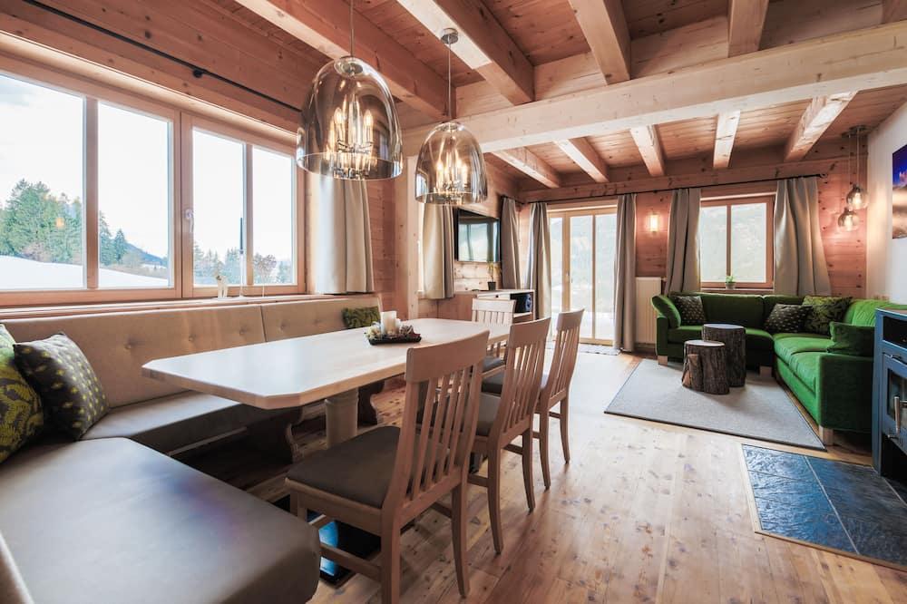 Шале «Делюкс», несколько спален, вид на горы (Zellersee) - Зона гостиной