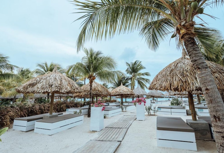 Kontiki Beach Resort Curaçao, Виллемстад, Пляж