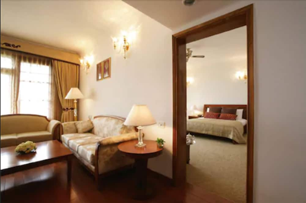 Executive Suite(Residency Tower) - Living Room