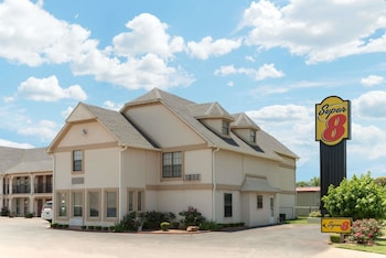 Picture of Super 8 by Wyndham Enid in Enid