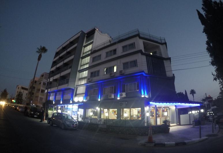 阿斯帝飯店, 艾爾斯多明希爾, 飯店入口 - 夜景