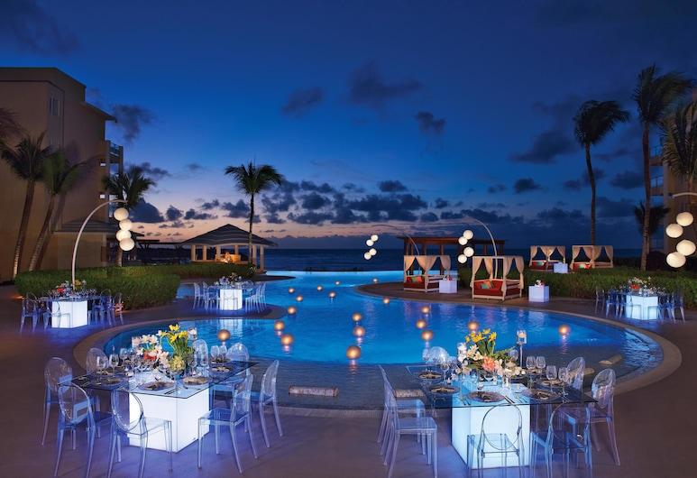 Now Jade Riviera Cancun Resort & Spa - All Inclusive, Puerto Morelos, Dinerruimte buiten