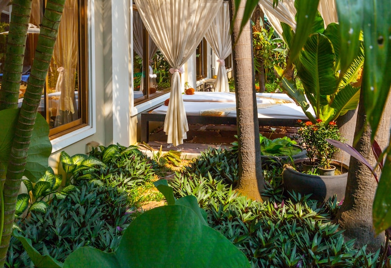 Angkor Holiday Hotel, Siemreabas, Sodas