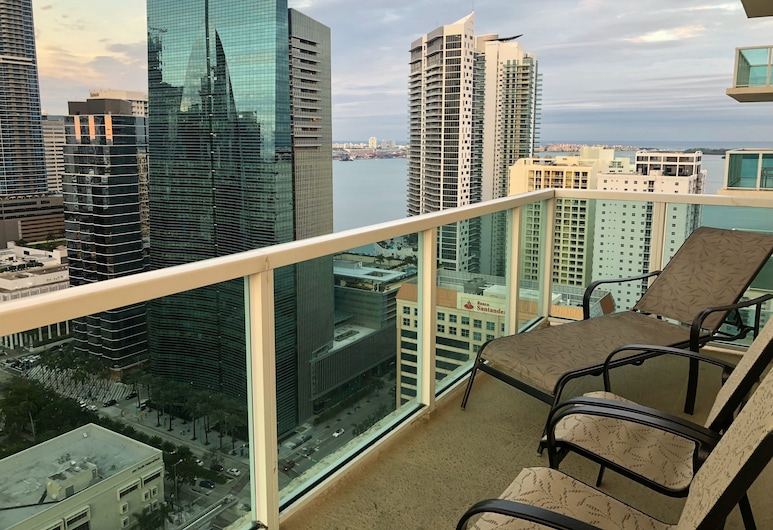 Churchill Suites Miami Brickell, Miami, Deluxe Apartment, 3 Bedrooms, Balcony, City View, Room