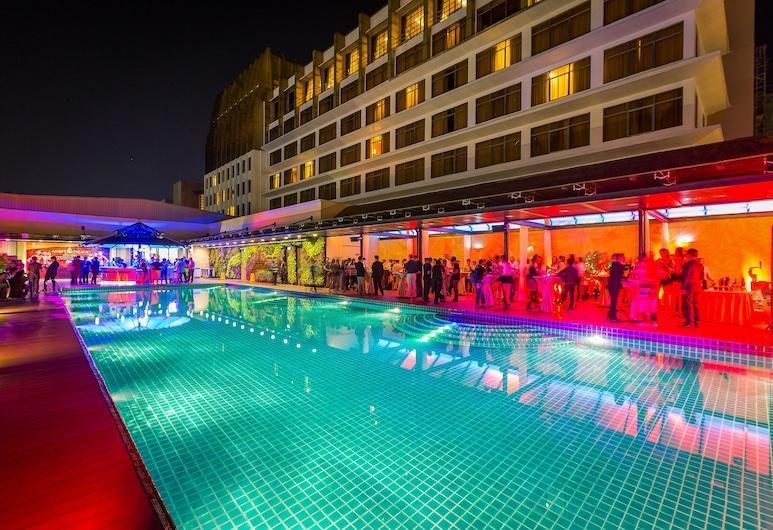 NagaWorld Hotel & Entertainment Complex, Phnom Penh, Utomhuspool