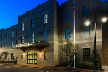 Picture of Residence Inn by Marriott Savannah Downtown/Historic Distric in Savannah
