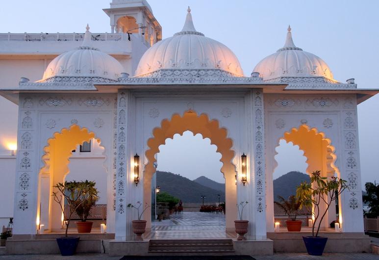 Radisson Blu Udaipur Palace Resort & Spa, Udaipur, Superior Room, Terrace/Patio