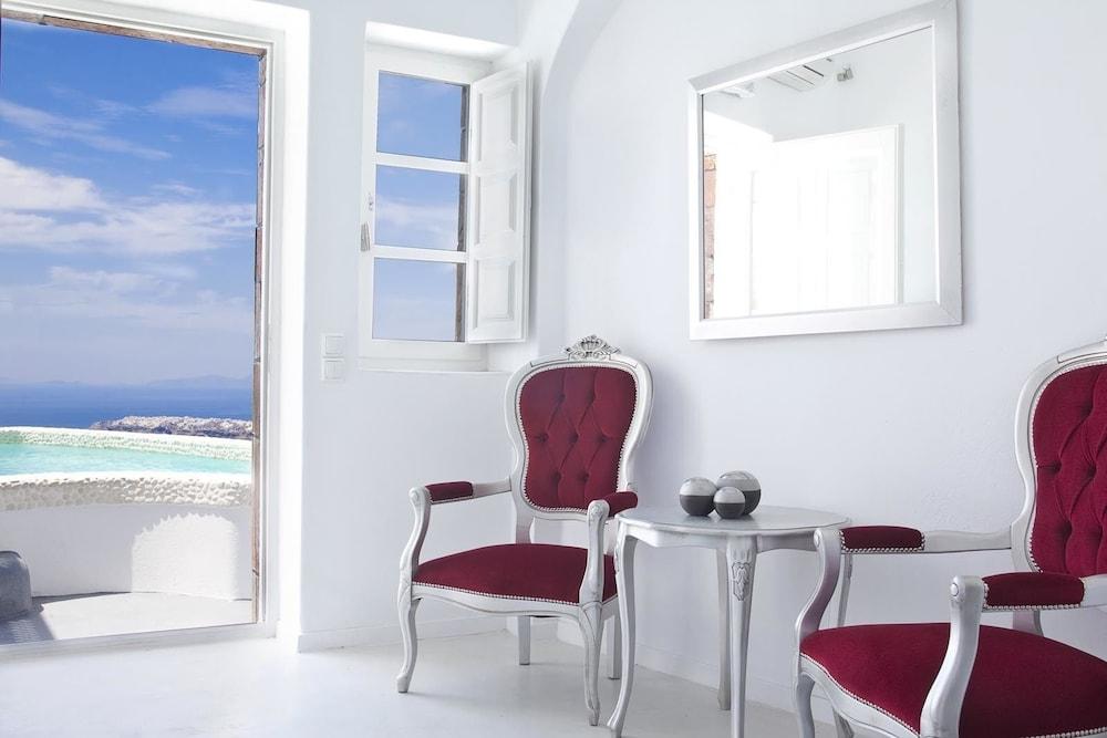 above blue suites santorini grecia hoteles en santorini. Black Bedroom Furniture Sets. Home Design Ideas