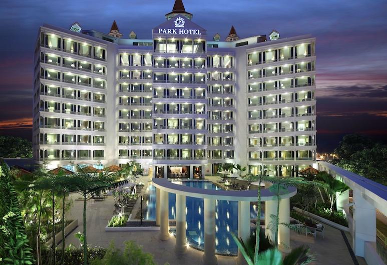 Park Hotel Clarke Quay, Singapore, Hotel Front – Evening/Night