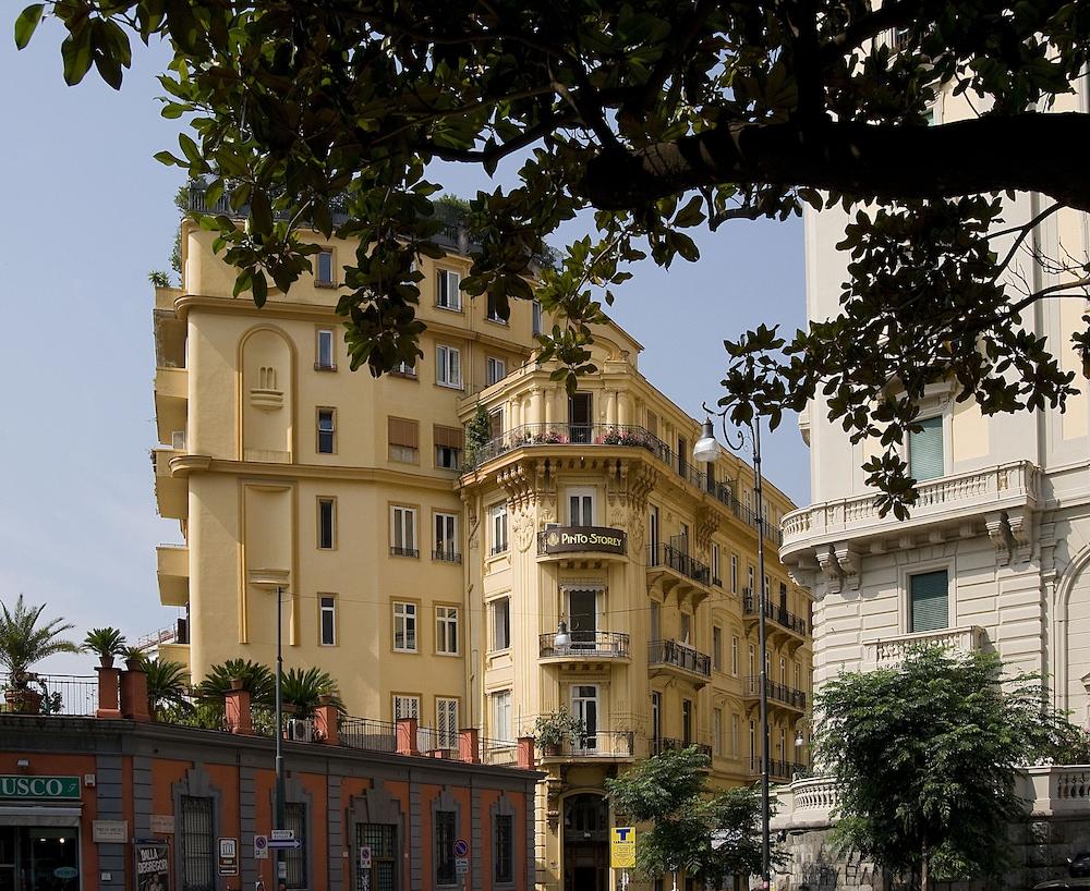 Pinto Storey Hotel, Naples