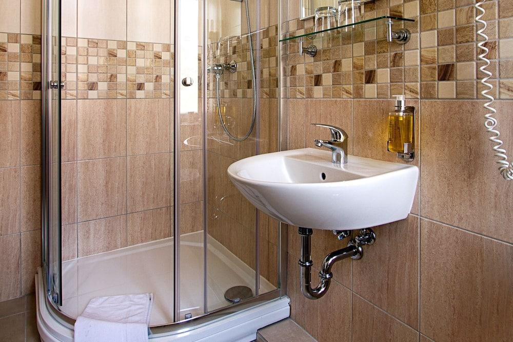 Economy-Einzelzimmer (Attic) - Badezimmer