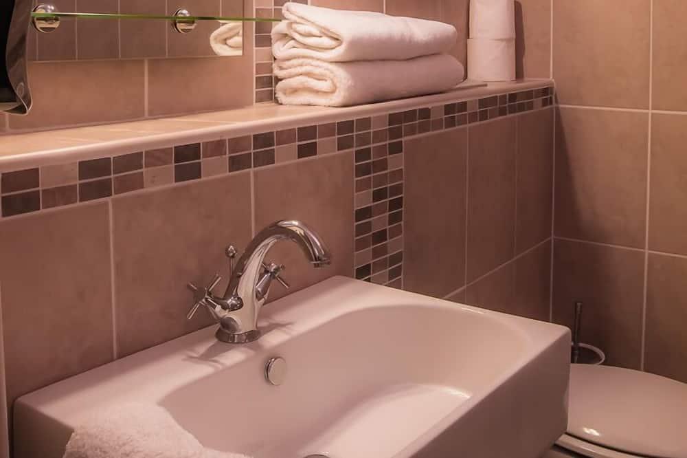 Habitación estándar con 1 cama doble o 2 individuales - Cuarto de baño