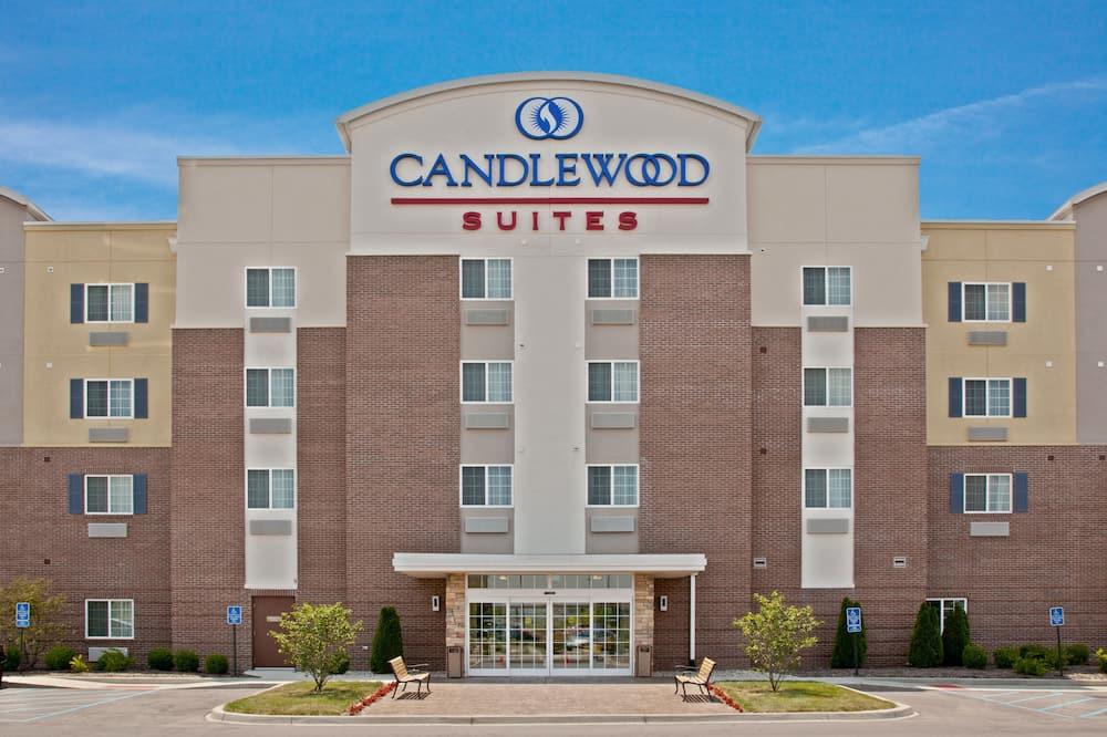Candlewood Suites Louisville North, an IHG Hotel