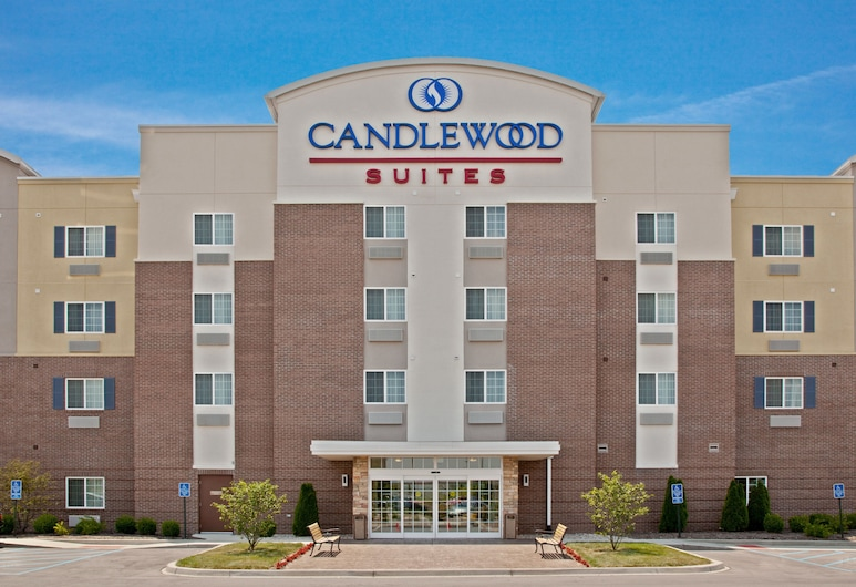 Candlewood Suites Louisville North, an IHG Hotel, קלרקסוויל