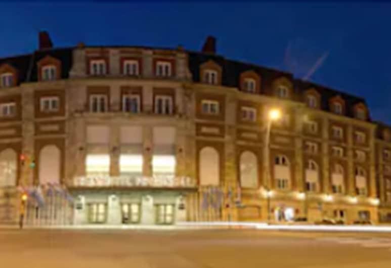NH Gran Hotel Provincial, Mar del Plata, Fasada hotelu — wieczorem/nocą