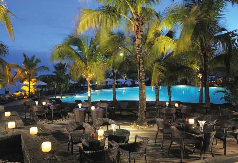 Victoria Beachcomber Resort & Spa, Пуант-о-Піман, Бар готелю