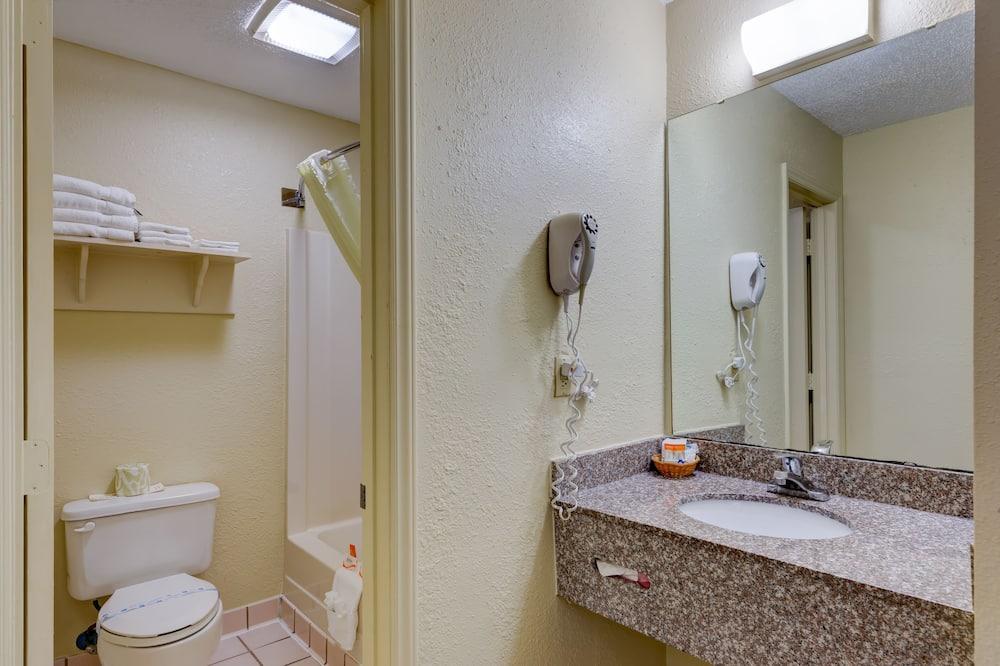客房, 2 張標準雙人床 - 浴室