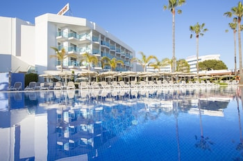 Picture of Hipotels Cala Millor Park Aparthotel in Mallorca Island