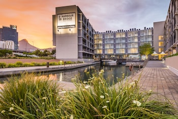 Picture of aha Harbour Bridge Hotel & Suites in Cape Town