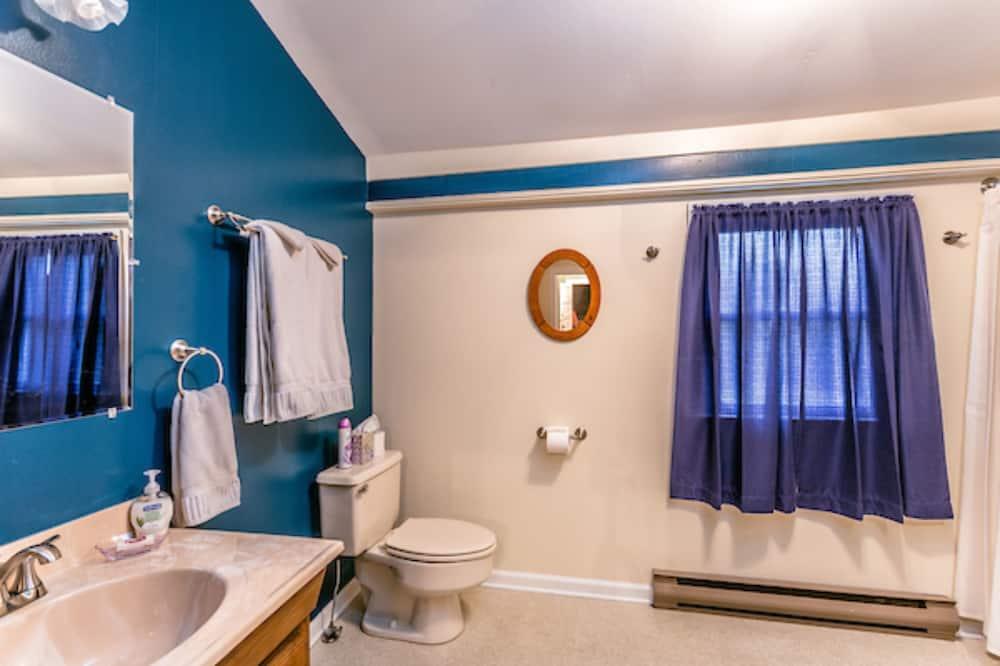 Stagecoach room  - Bathroom