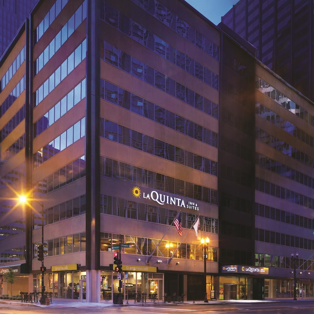 La quinta inn suites chicago downtown hotels in for All hotels downtown chicago