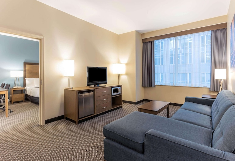 La Quinta Inn & Suites by Wyndham Chicago Downtown, Chicago, Guest Room
