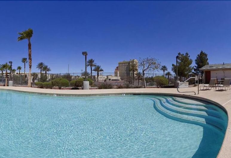 Holiday Inn Express and Suites Henderson, Henderson, Outdoor Pool