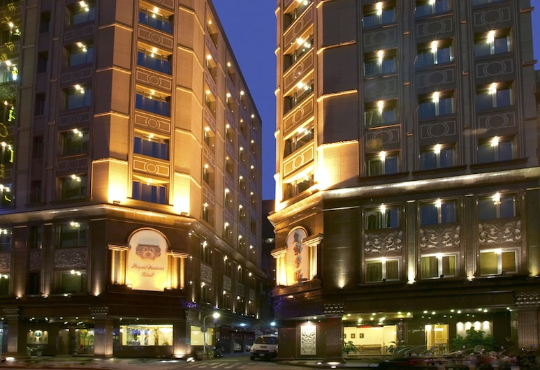 Royal Seasons Hotel Taipei, Taipei, Voorkant hotel - avond/nacht