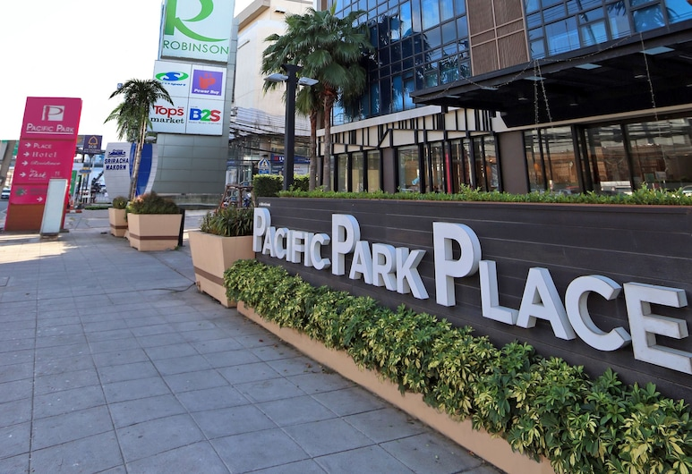 Pacific Park Hotel, סי ראצ'ה