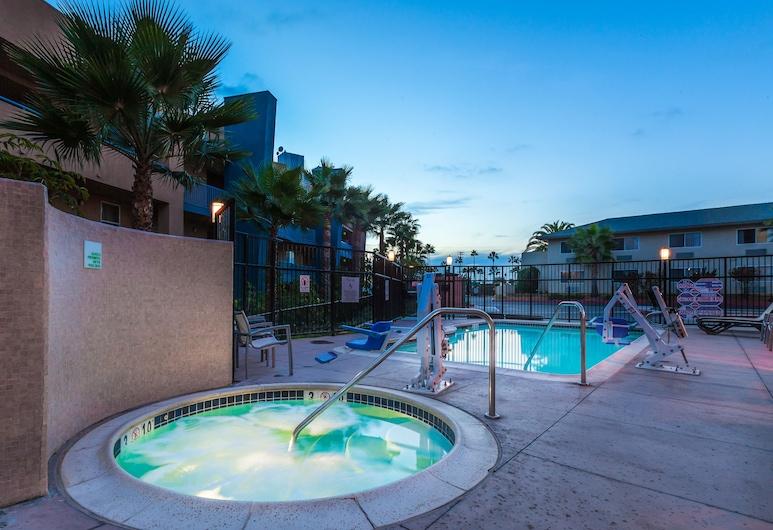 Holiday Inn Oceanside Camp Pendleton Area, Оушнсайд, Спа-ванна під відкритим небом