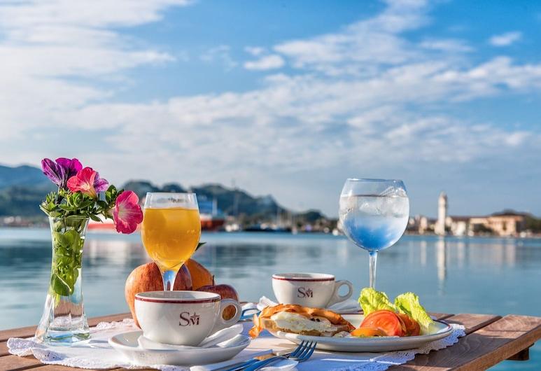 Hotel Strada Marina, , Γεύματα σε εξωτερικό χώρο