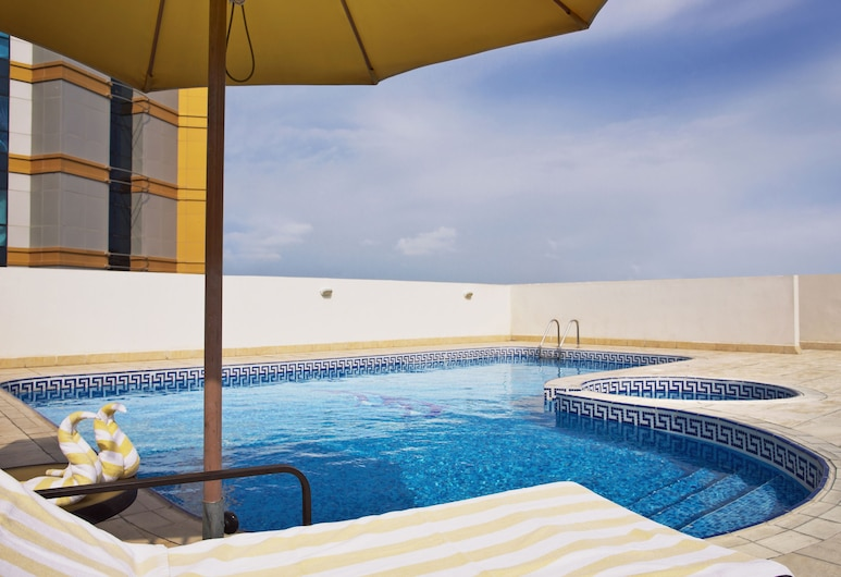 TIME Topaz Hotel Apartments, Dubai, Rooftop Pool