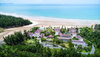 Picture of APSARA Beachfront Resort and Villa in Takua Pa