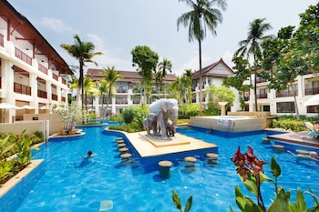 Picture of APSARA Beachfront Resort and Villa in Takua Pa