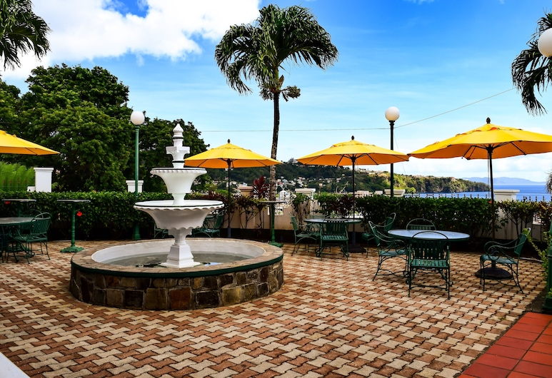 Grenadine House, Kingstown, Ristorazione all'aperto