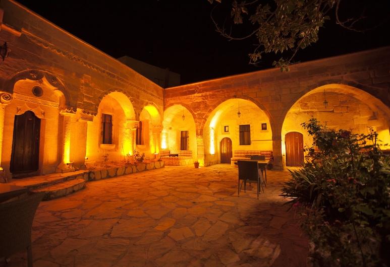 Cappadocia Palace Hotel, Ургуп, Двор