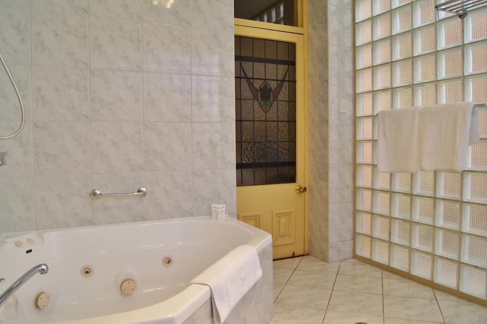 Romantic Suite, Jetted Tub (Loggia) - Bathroom