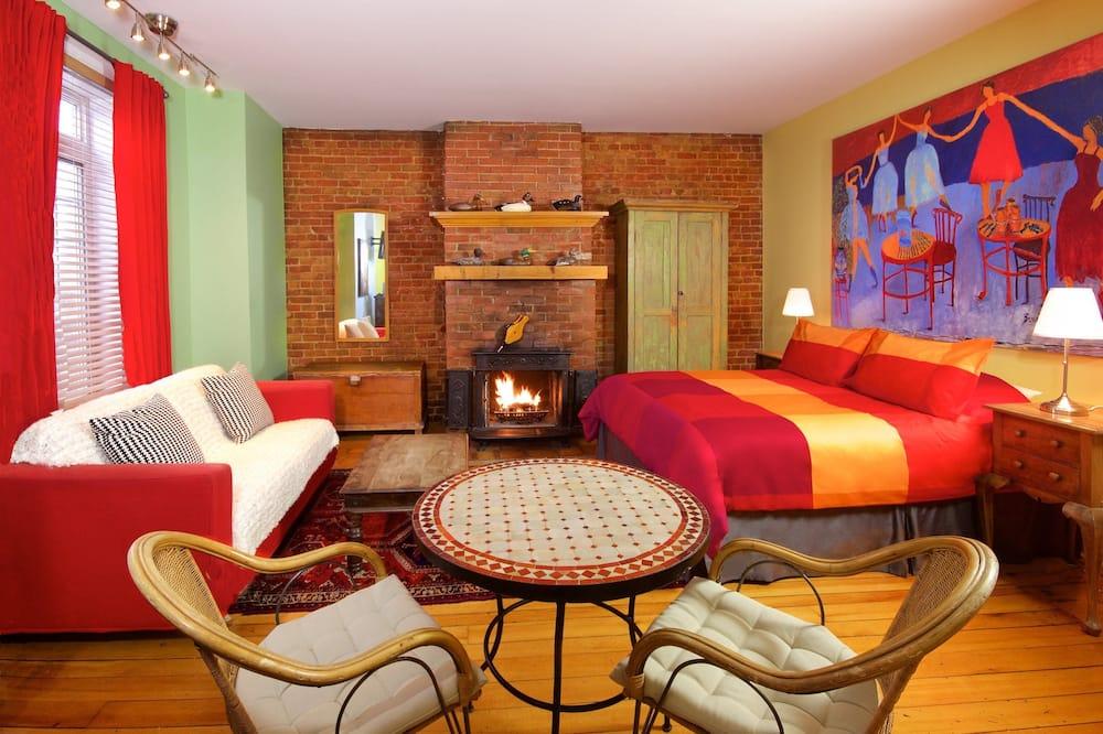 Apartament typu Comfort Suite, Łóżko queen, wanna z hydromasażem - Zdjęcie opisywane