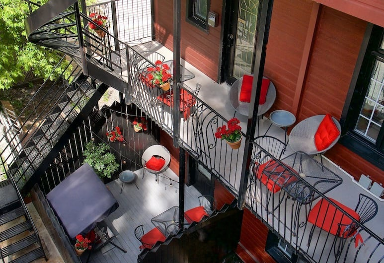 Auberge Les Bons Matins, Montreal, Comfort Room, 1 Queen Bed, Terrace/Patio