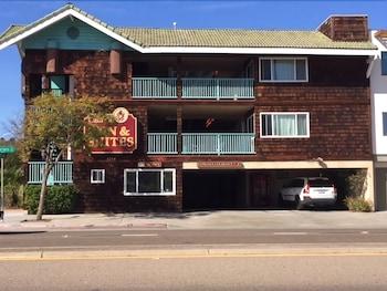 Cabrillo Inn & Suites