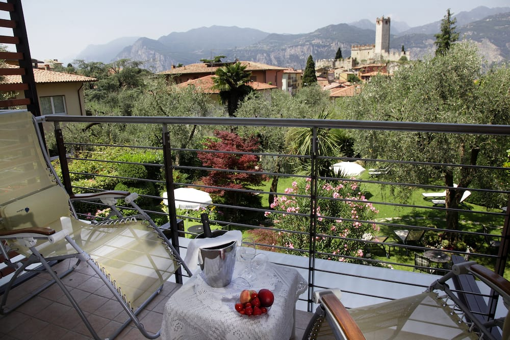 Triple Room, Balcony - City View