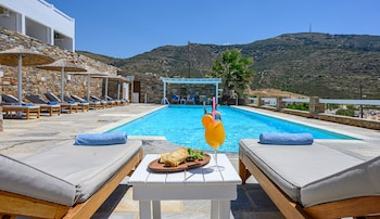 Picture of Hotel Perrakis in Andros