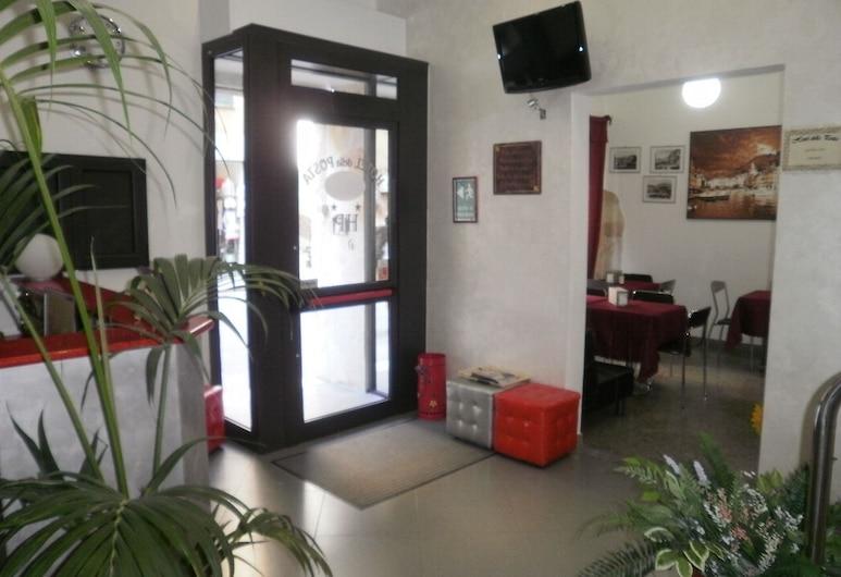 德拉波斯塔諾瓦酒店, 吉那歐