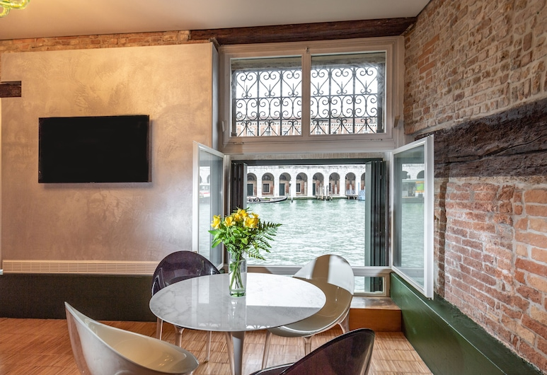 Locanda Leon Bianco on the Grand Canal, Venecija, Apartman, Dnevni boravak