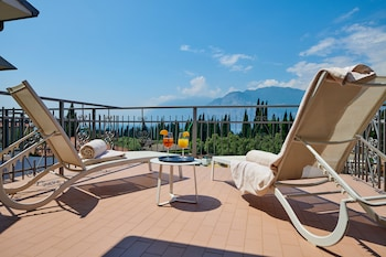 Picture of Hotel Benacus Malcesine in Malcesine