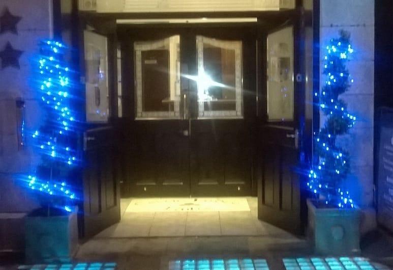 Celtic Lodge Guesthouse - Restaurant & Bar, Dublin, Voorkant hotel - avond/nacht