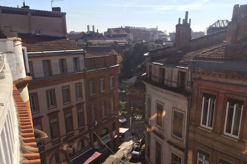 Superior Double Room, Terrace, City View - Street View