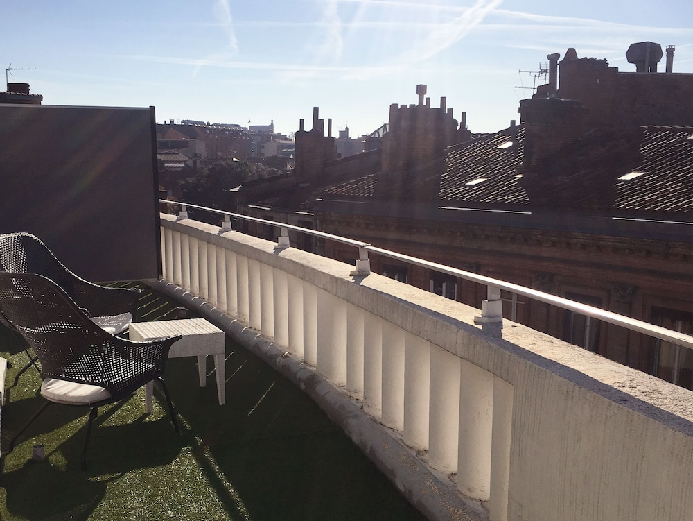 Ours blanc wilson toulouse hotels.com