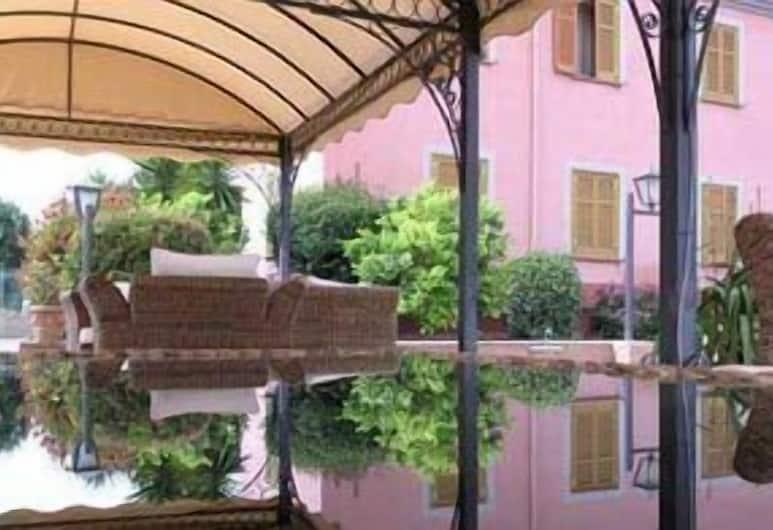 Arco di Travertino, Rom, Havepavillon