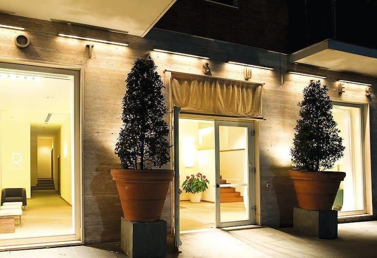 Rota Suites, Sorrento, Hotel Front